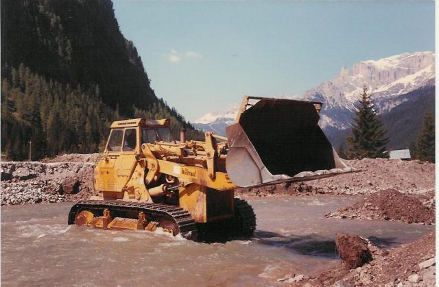 Caterpillar 983 photo - 3