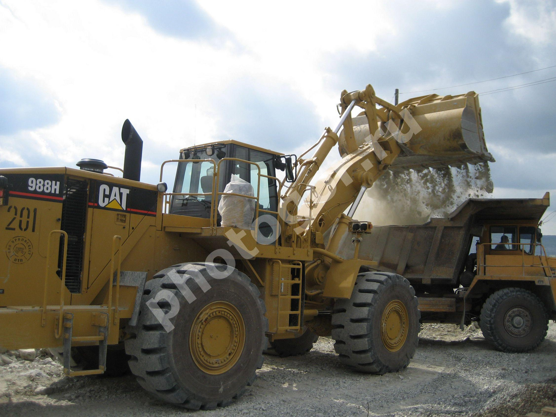 Caterpillar 988 photo - 3