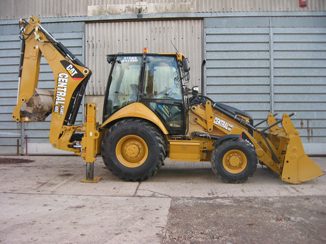 Caterpillar backhoe photo - 2