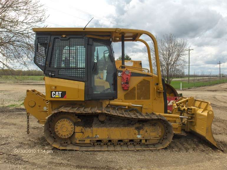 Caterpillar d3 photo - 3