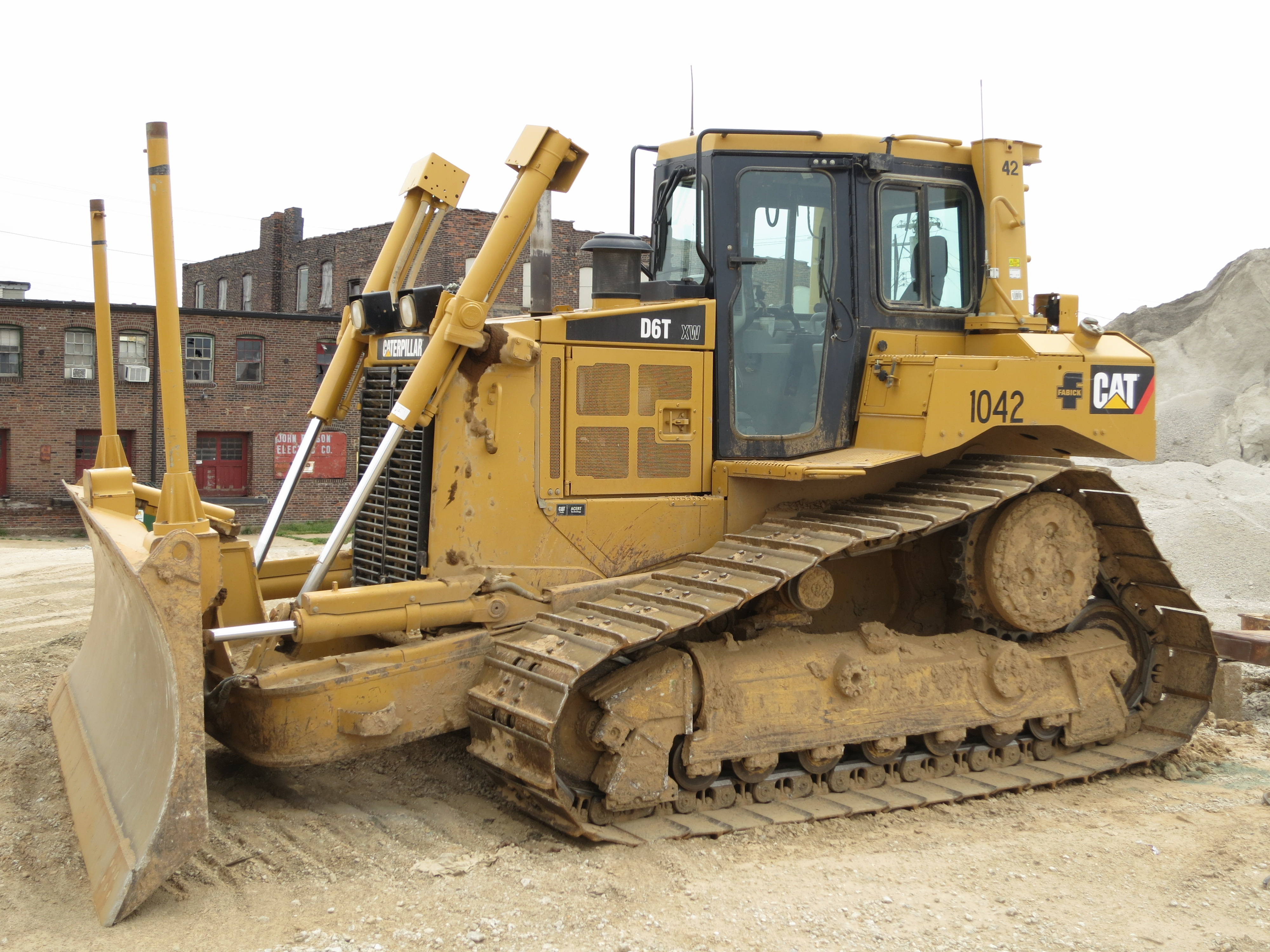 Caterpillar d6r photo - 3