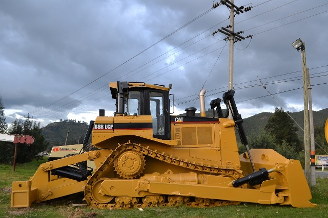 Caterpillar d8r photo - 2