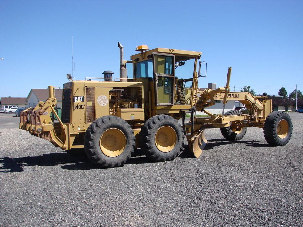 Caterpillar grader photo - 1
