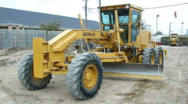 Caterpillar grader photo - 2