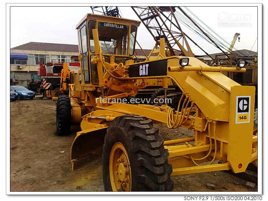 Caterpillar grader photo - 3