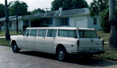 Checker aerobus photo - 1