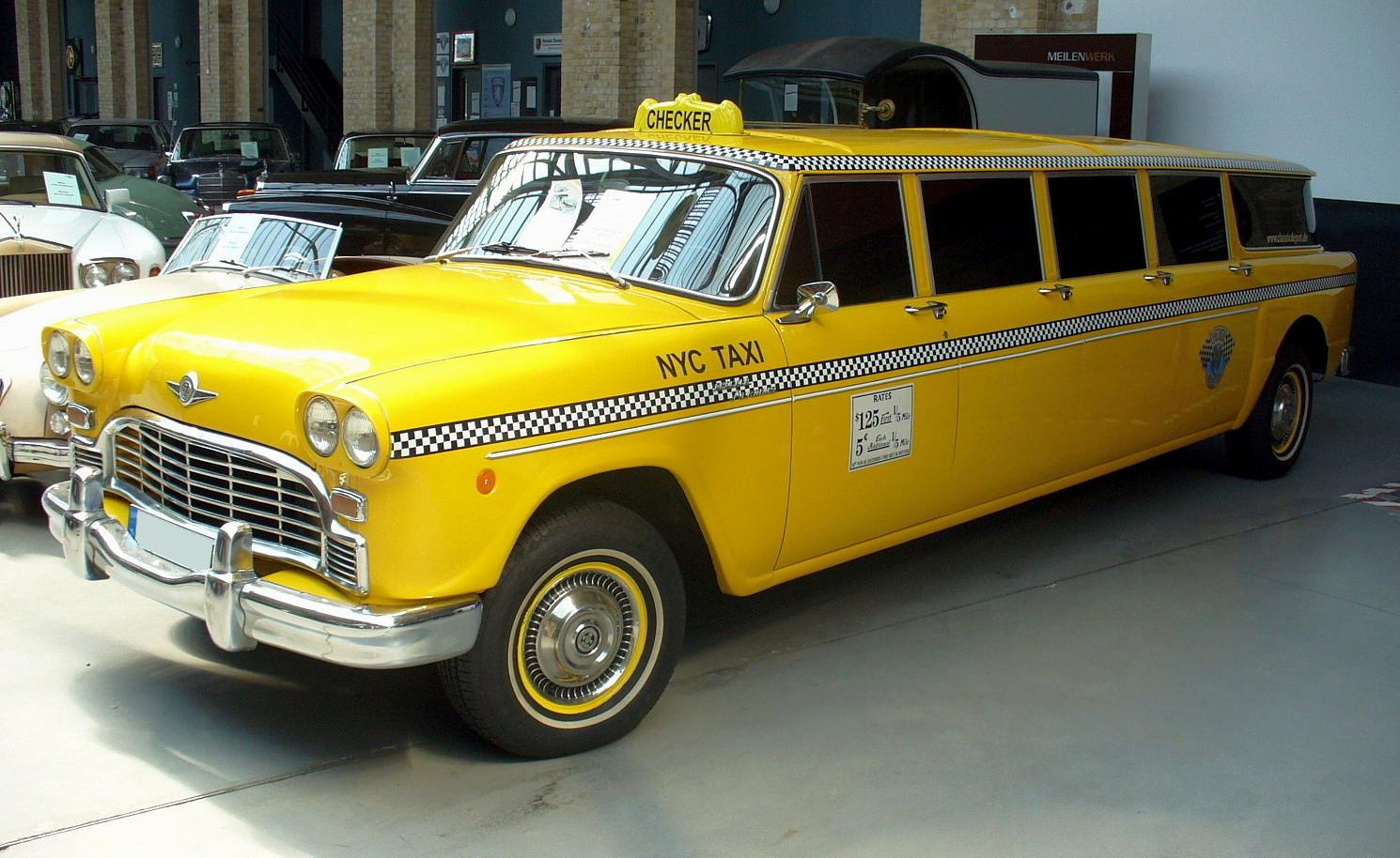 Checker aerobus photo - 2