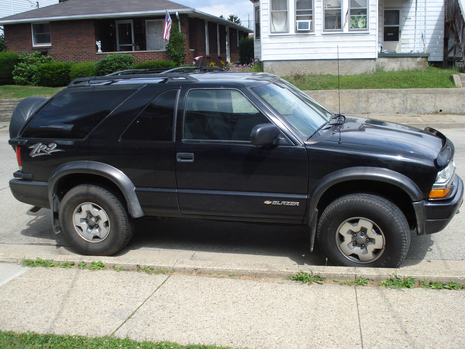 Chevrolet blazer photo - 2