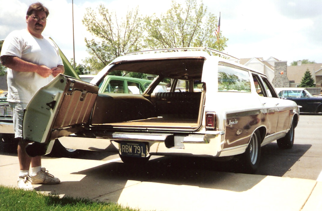 Chevrolet estate photo - 1