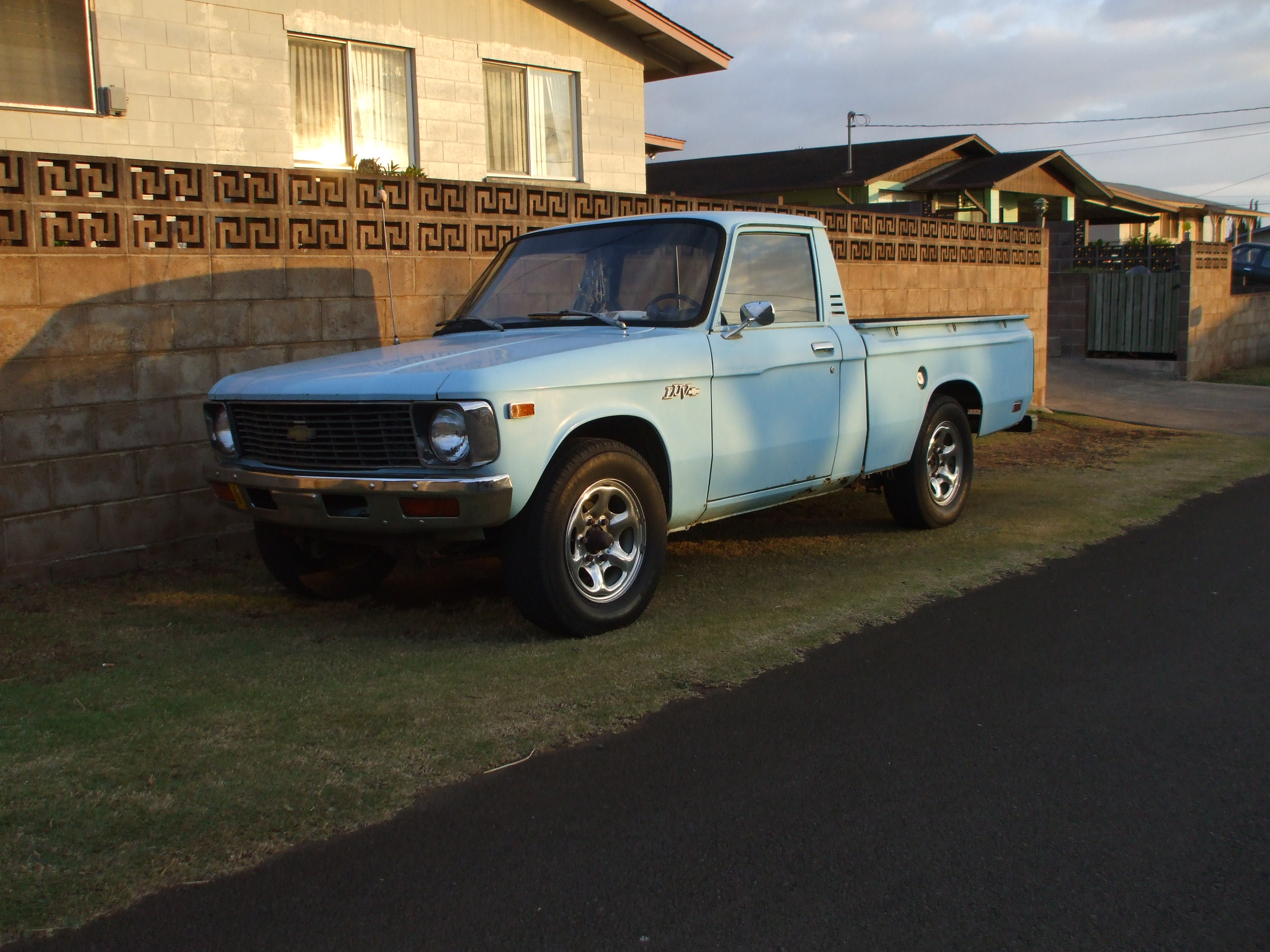 Chevrolet luv photo - 3