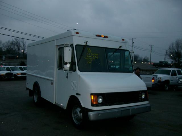 Chevrolet stepvan photo - 3
