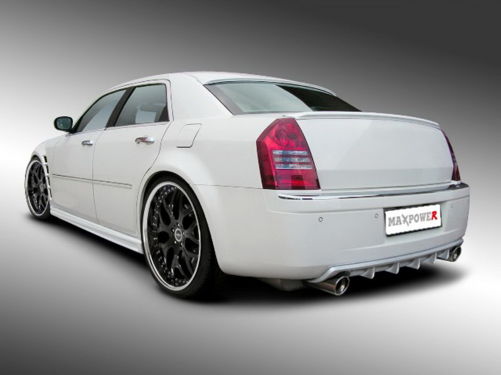 Chrysler 300 photo - 3
