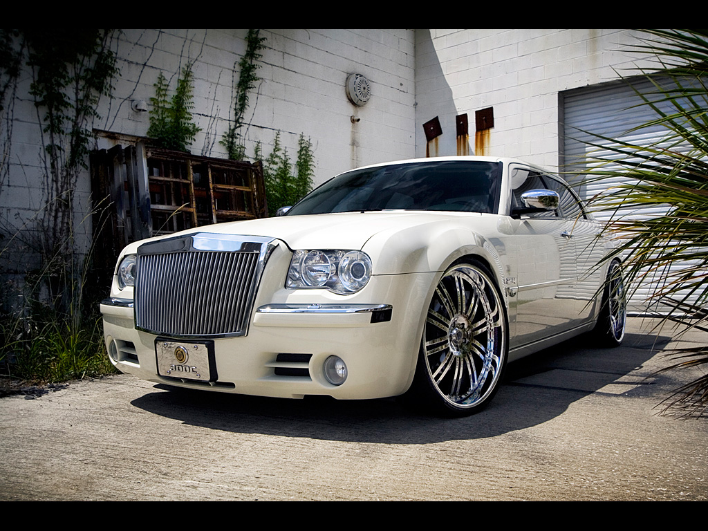 Chrysler 300k photo - 1