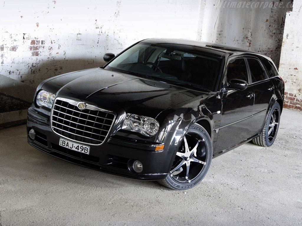 Chrysler 300k photo - 3