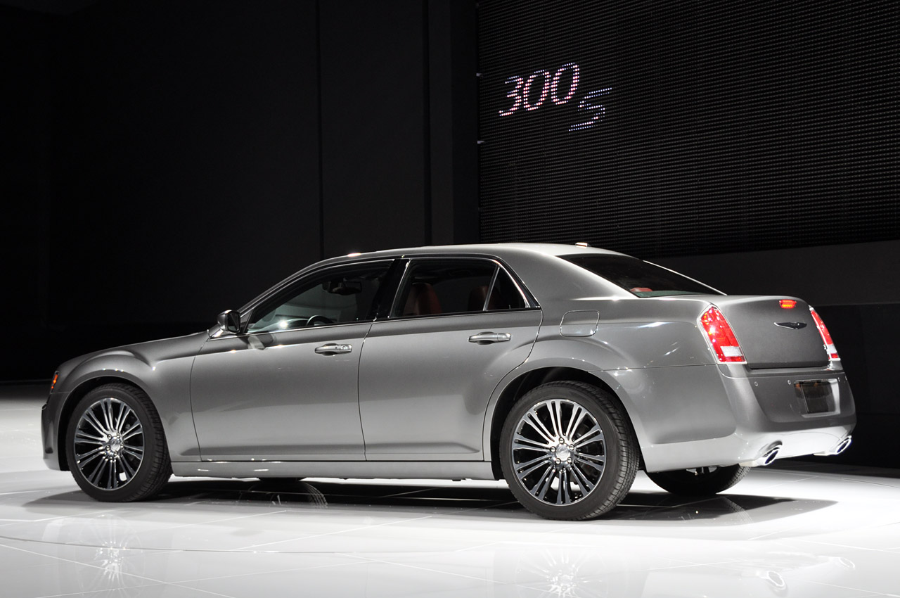 Chrysler 300s photo - 4