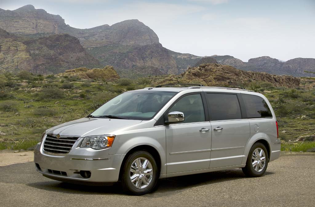 Chrysler caravan photo - 1
