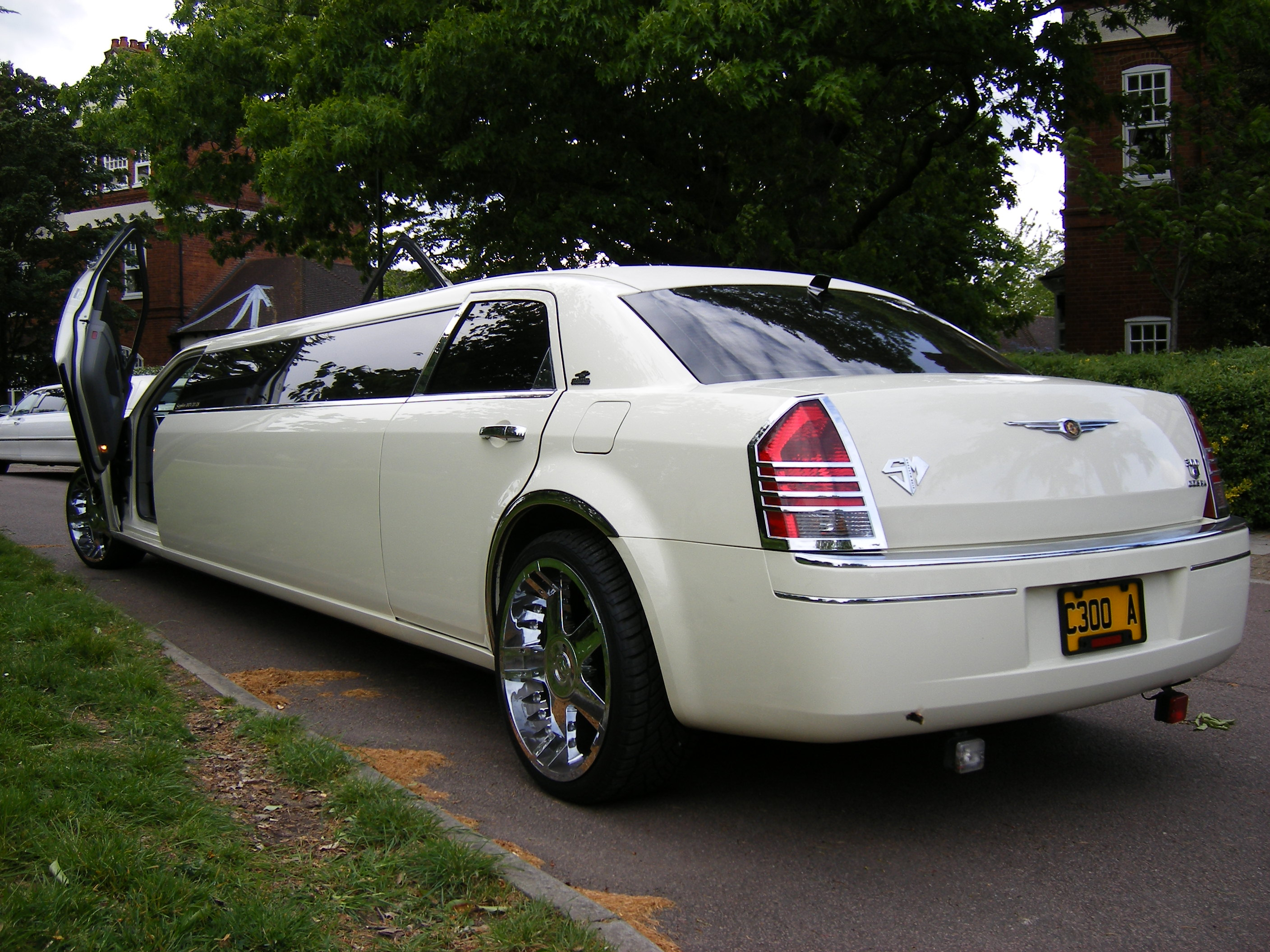 Chrysler limousine photo - 1