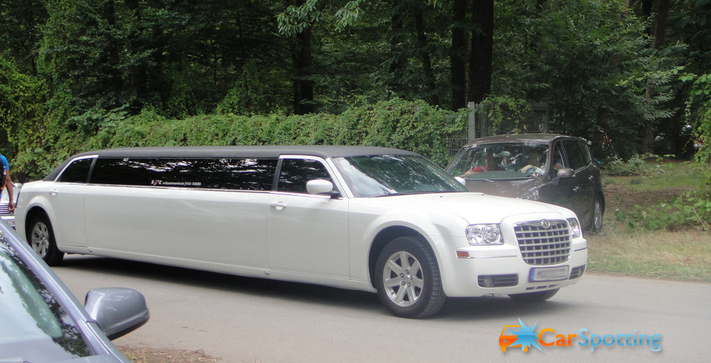 Chrysler limousine photo - 4