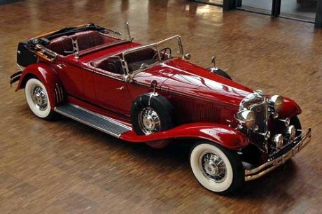 Chrysler phaeton photo - 1