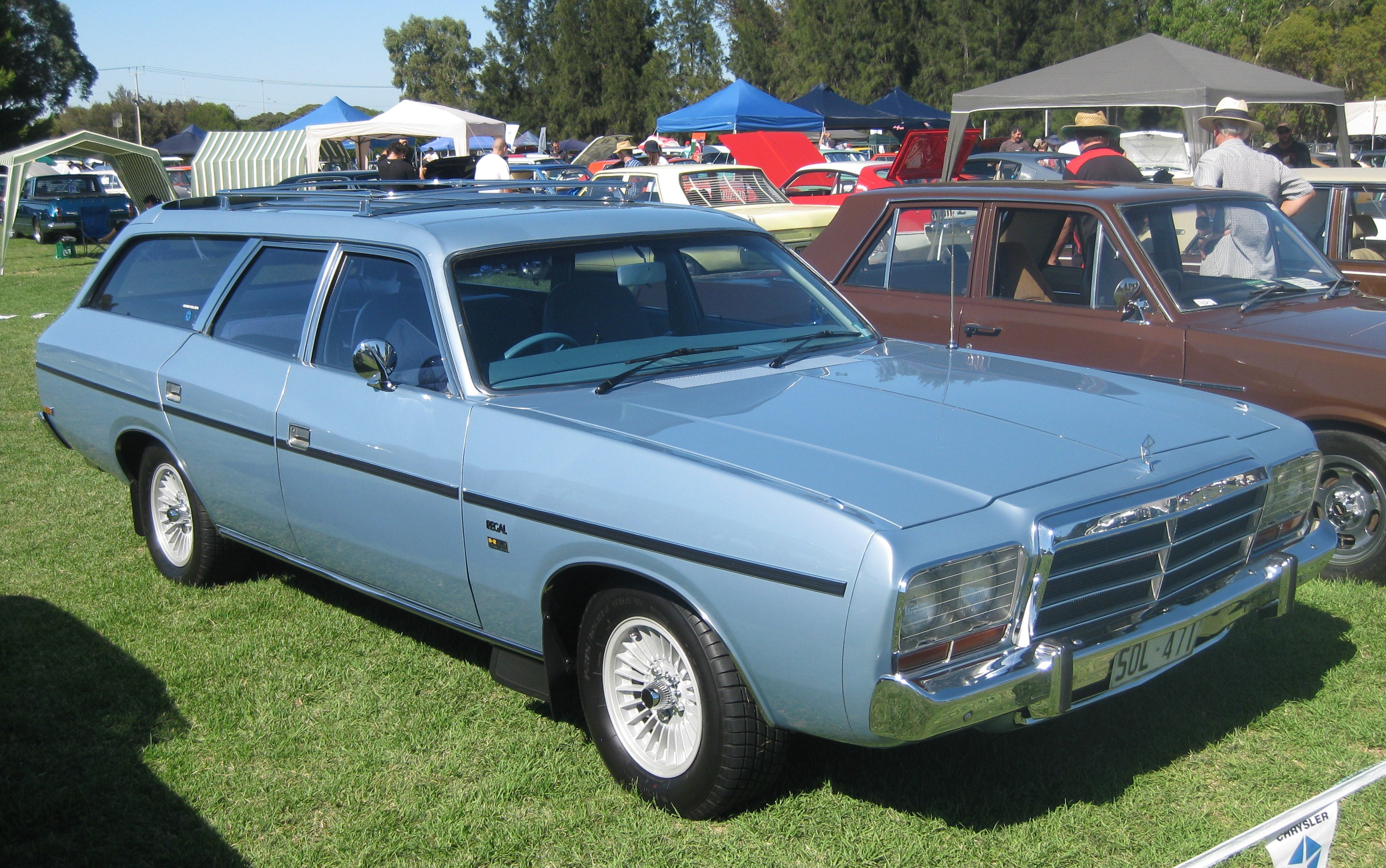Chrysler wagon photo - 1