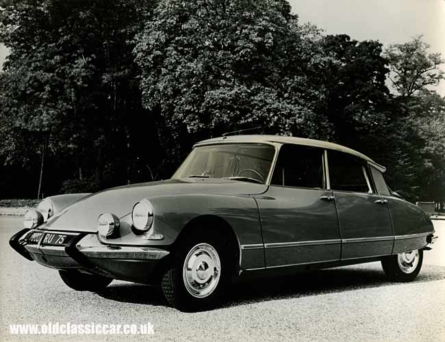 Citroen ds19 photo - 3