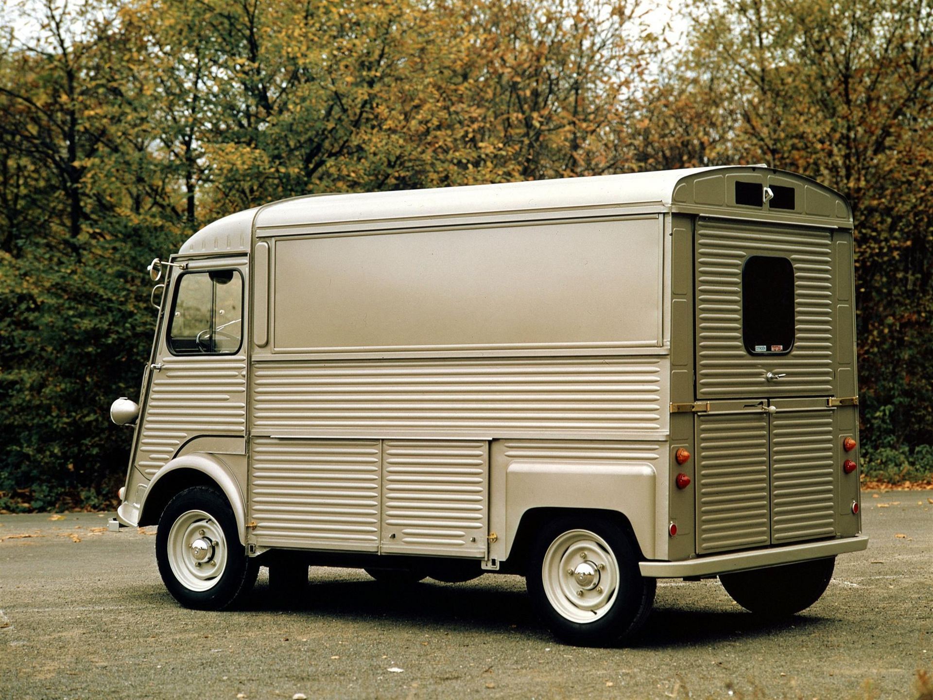 Citroen hy photo - 2