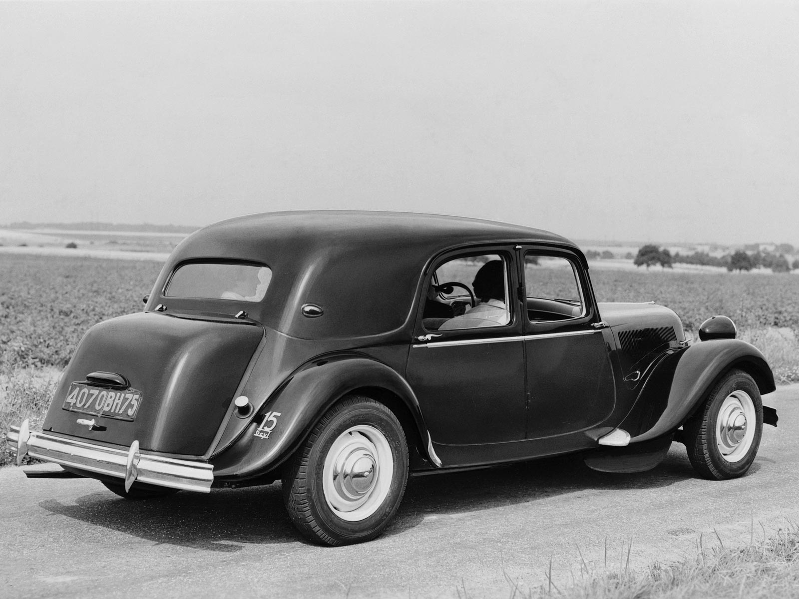 Citroen traction-avant photo - 3
