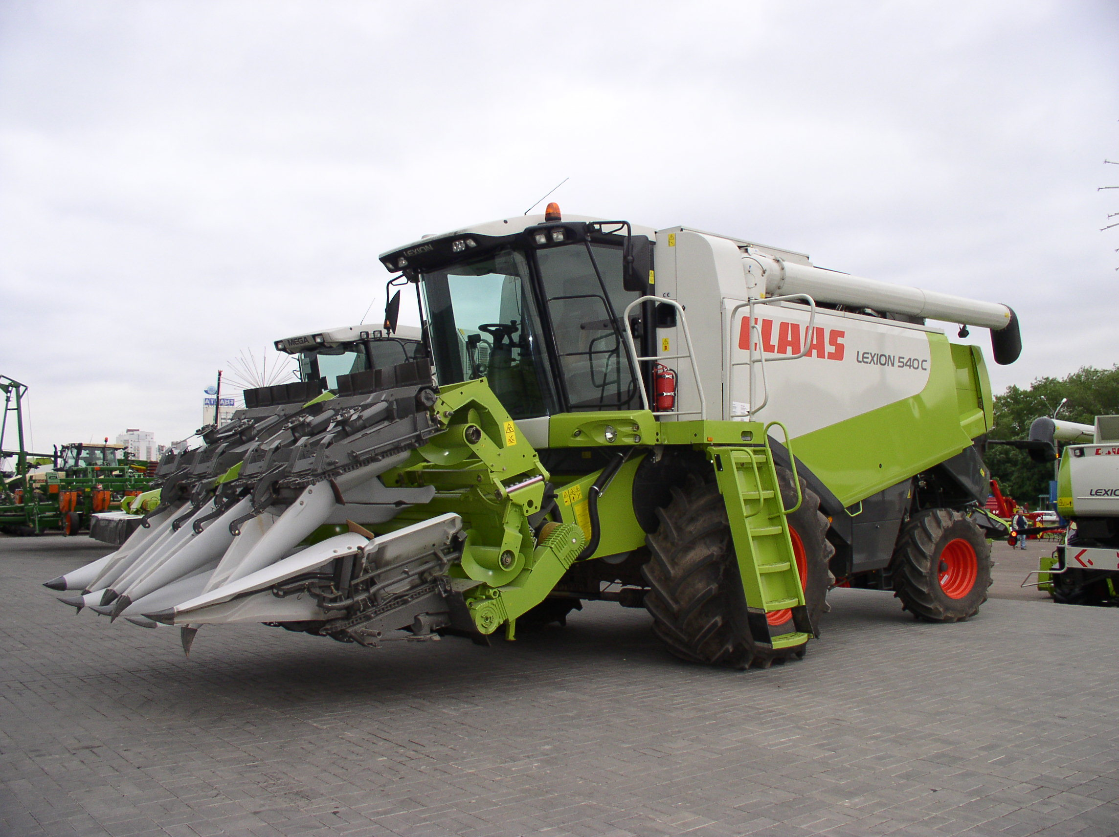 Claas lexion photo - 1