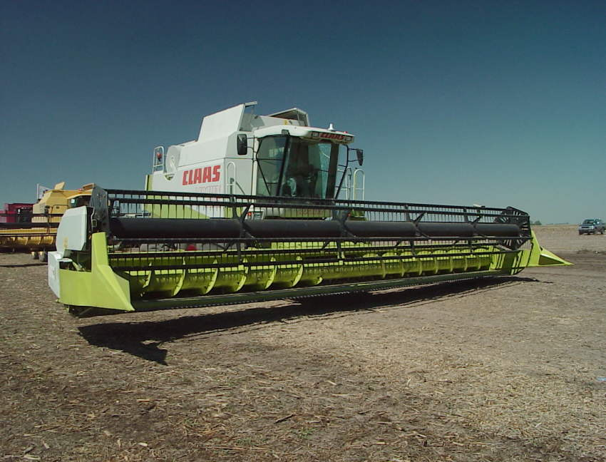 Claas lexion photo - 2