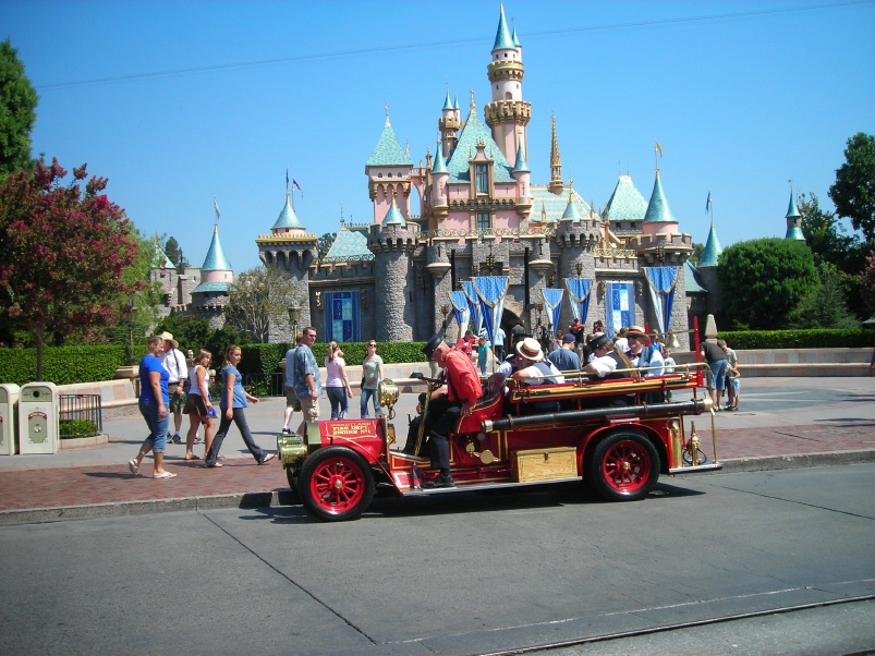 Disneyland fire photo - 4