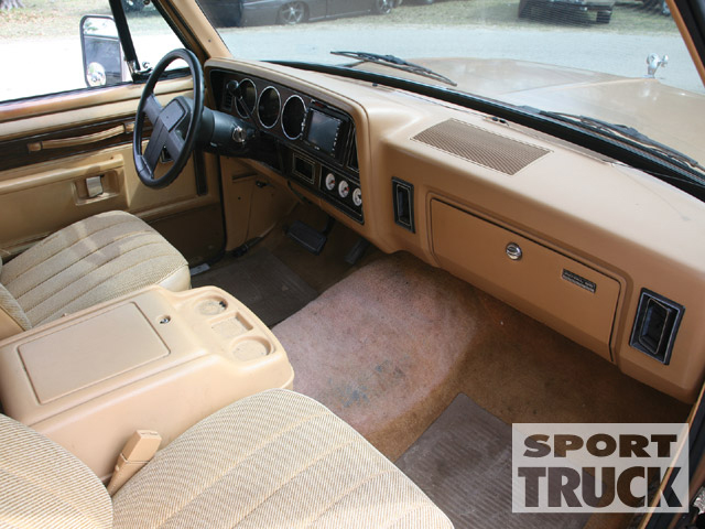 Dodge ramcharger photo - 1