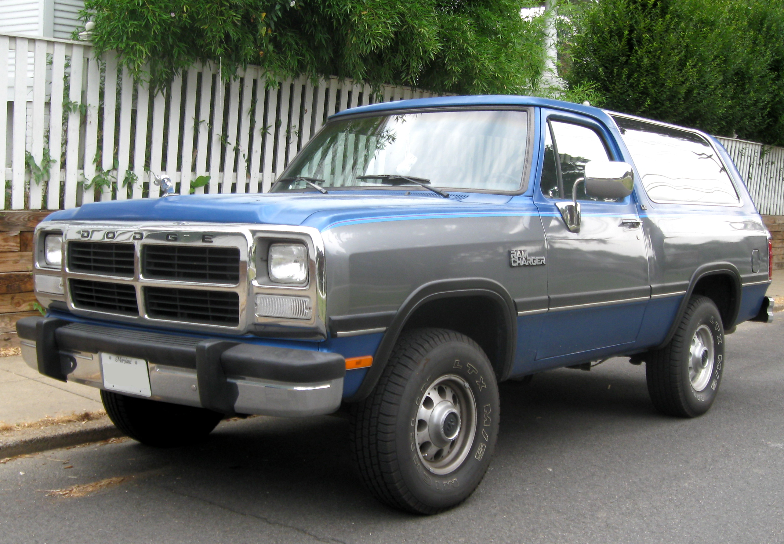Dodge ramcharger photo - 3