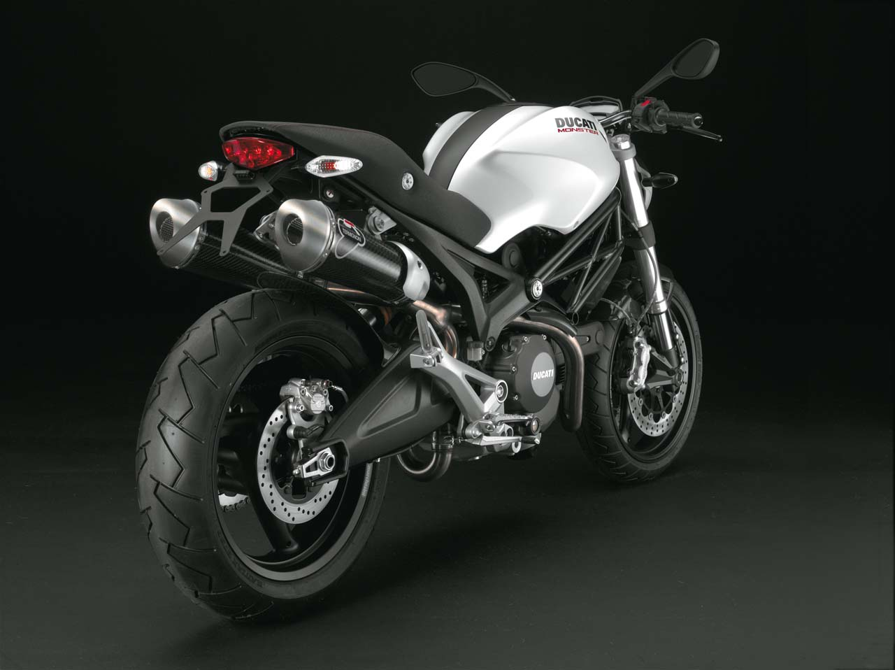 Ducati monster photo - 3