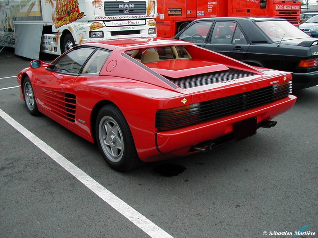 Ferrari testarossa photo - 1