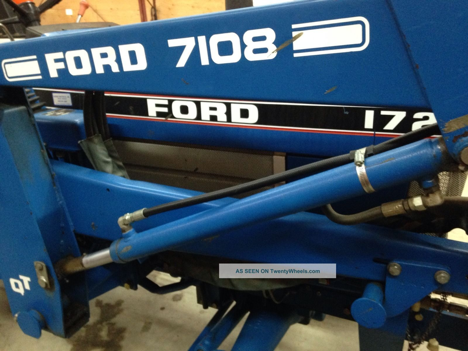 Ford 1720 photo - 2