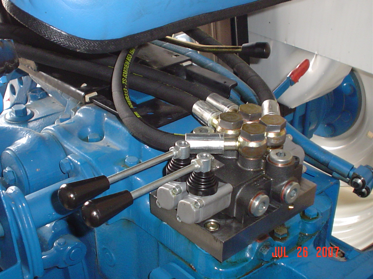 Ford 3610 photo - 4