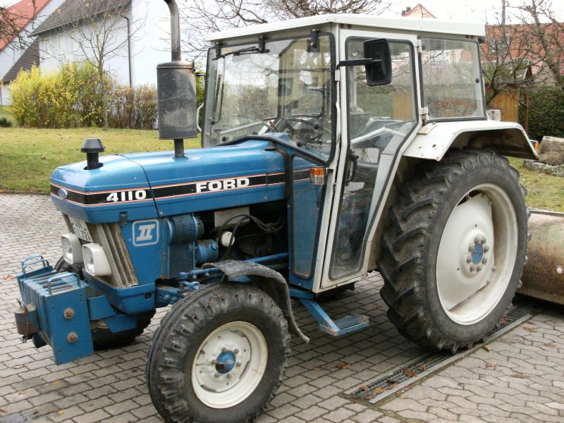 Ford 4110 photo - 3