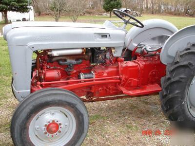 Ford 600 photo - 1