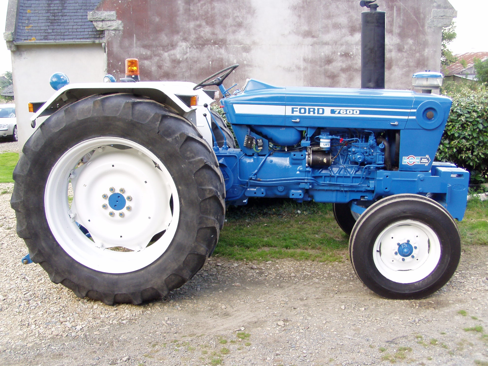 Ford 7600 photo - 2