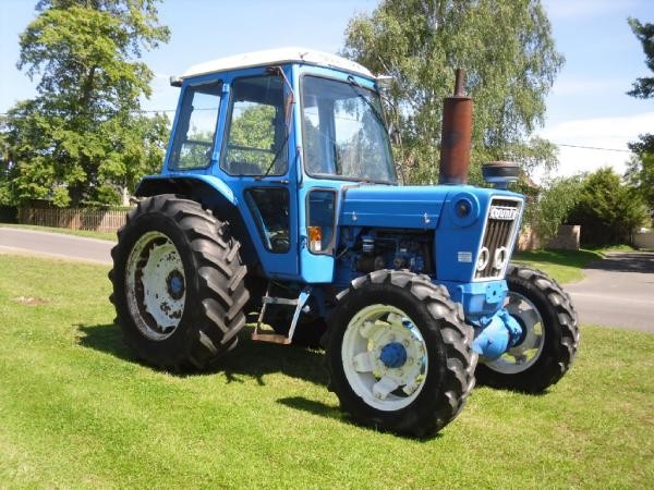 Ford 7600 photo - 3