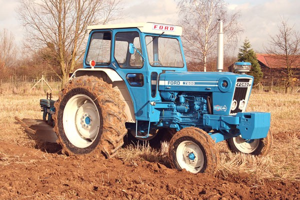 Ford 7600 photo - 4