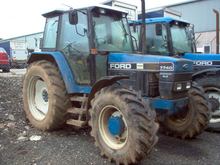 Ford 7740 photo - 3
