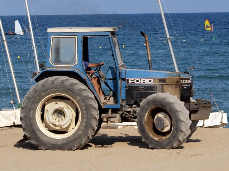 Ford 7740 photo - 4