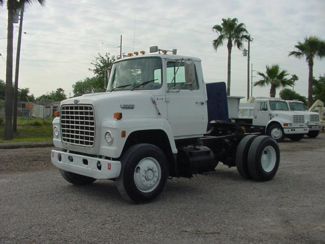 Ford 8000 photo - 3