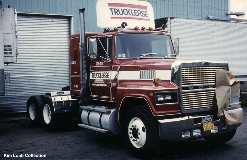 Ford 9000 photo - 1
