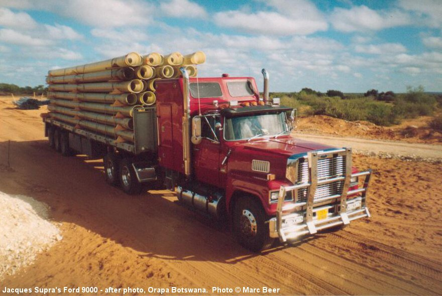 Ford 9000 photo - 2