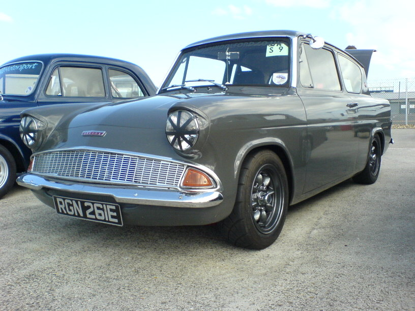 Ford anglia photo - 4
