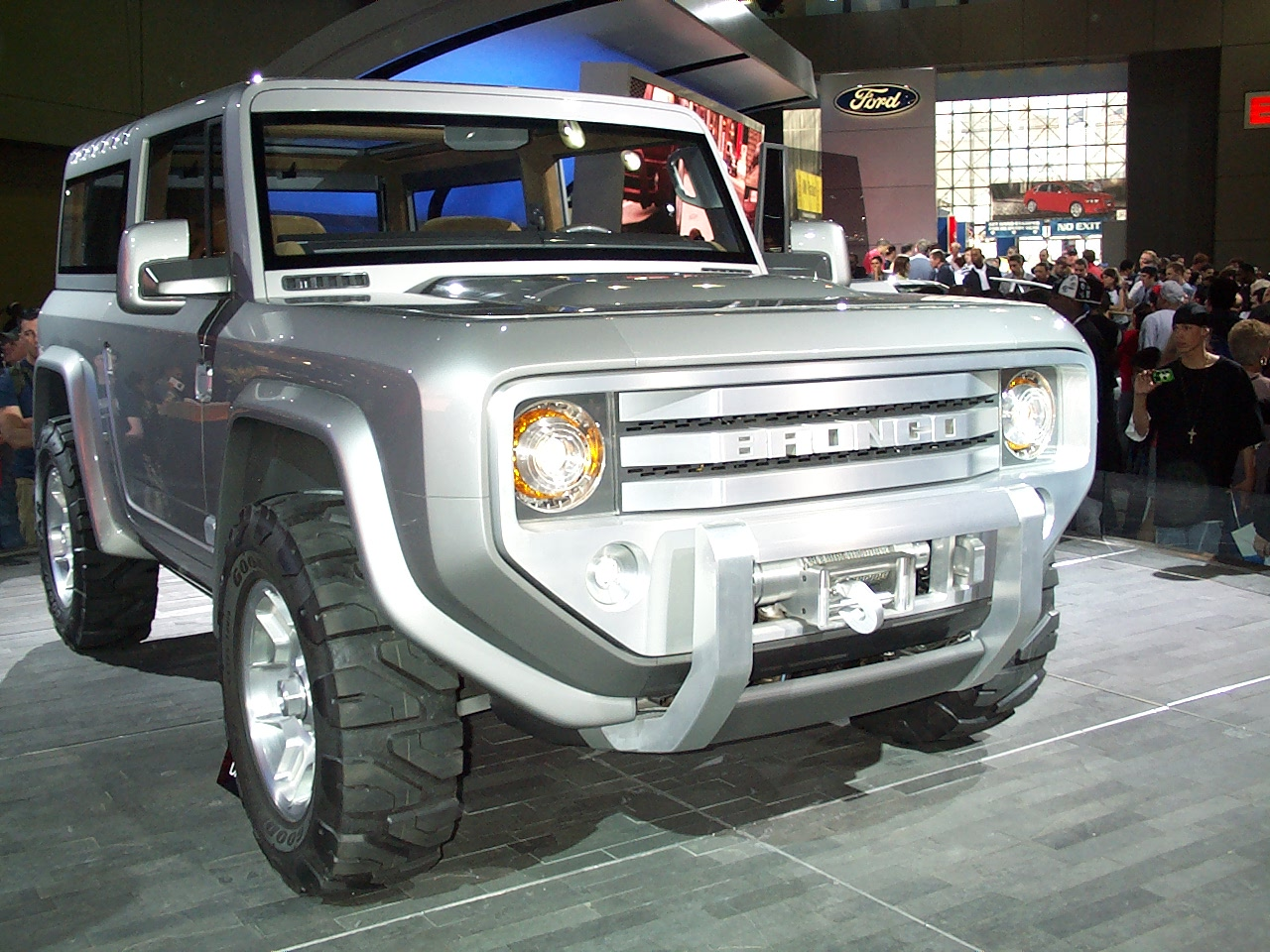 Ford bronco photo - 1