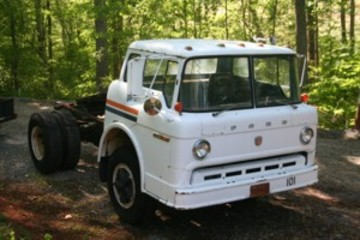 Ford c-600 photo - 1