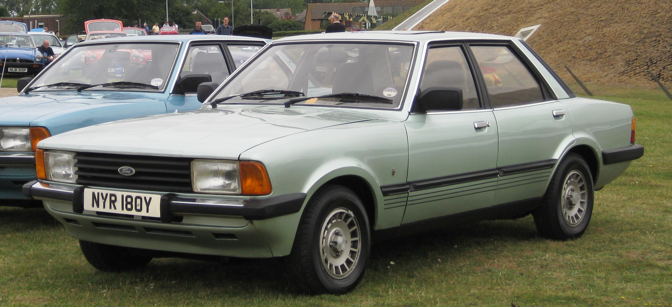 Ford cortina photo - 3